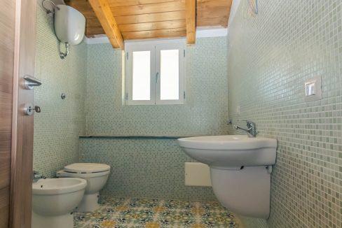 bagno appartamento vairano patenora