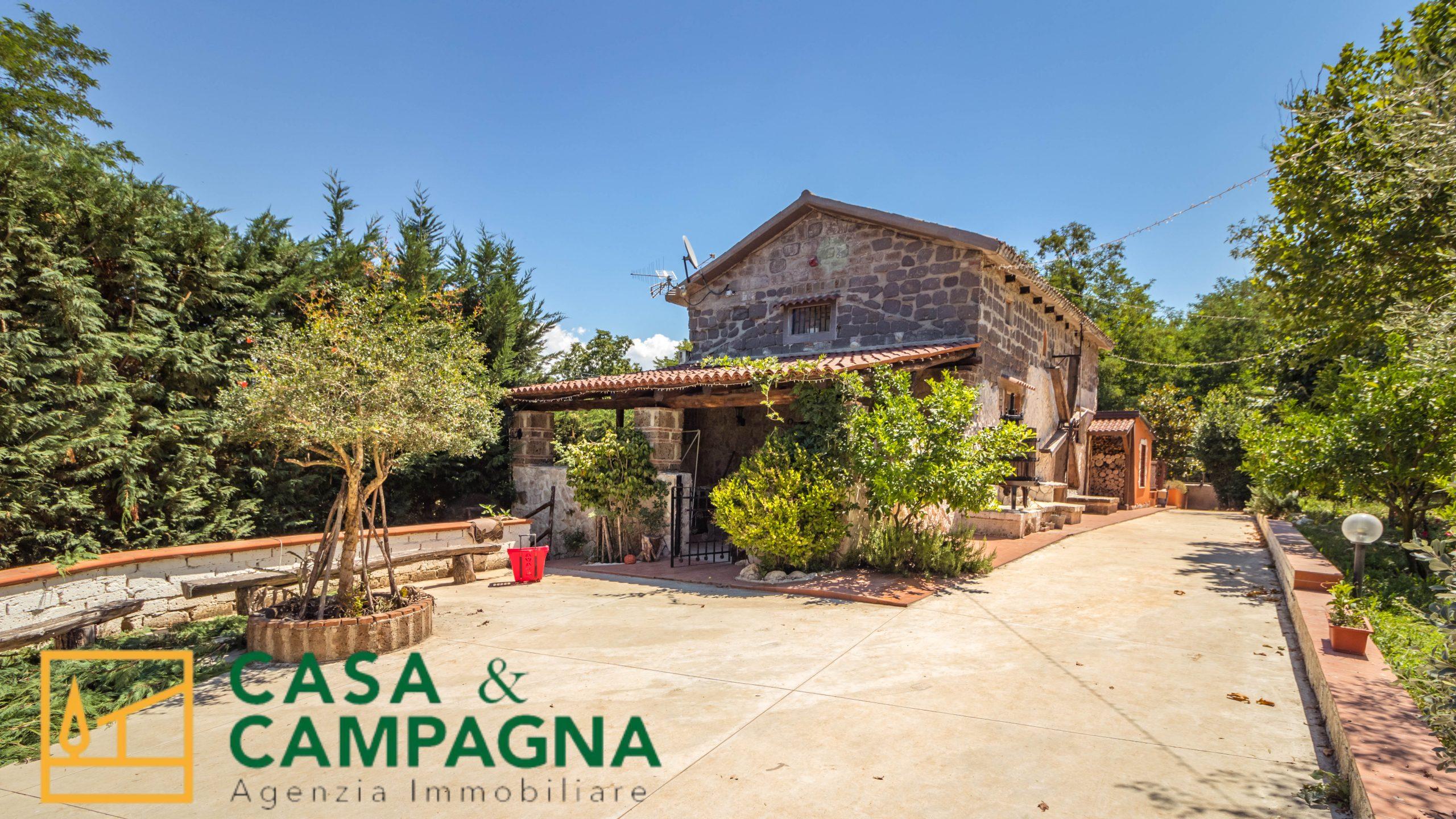Villa in vendita a Vairano Patenora