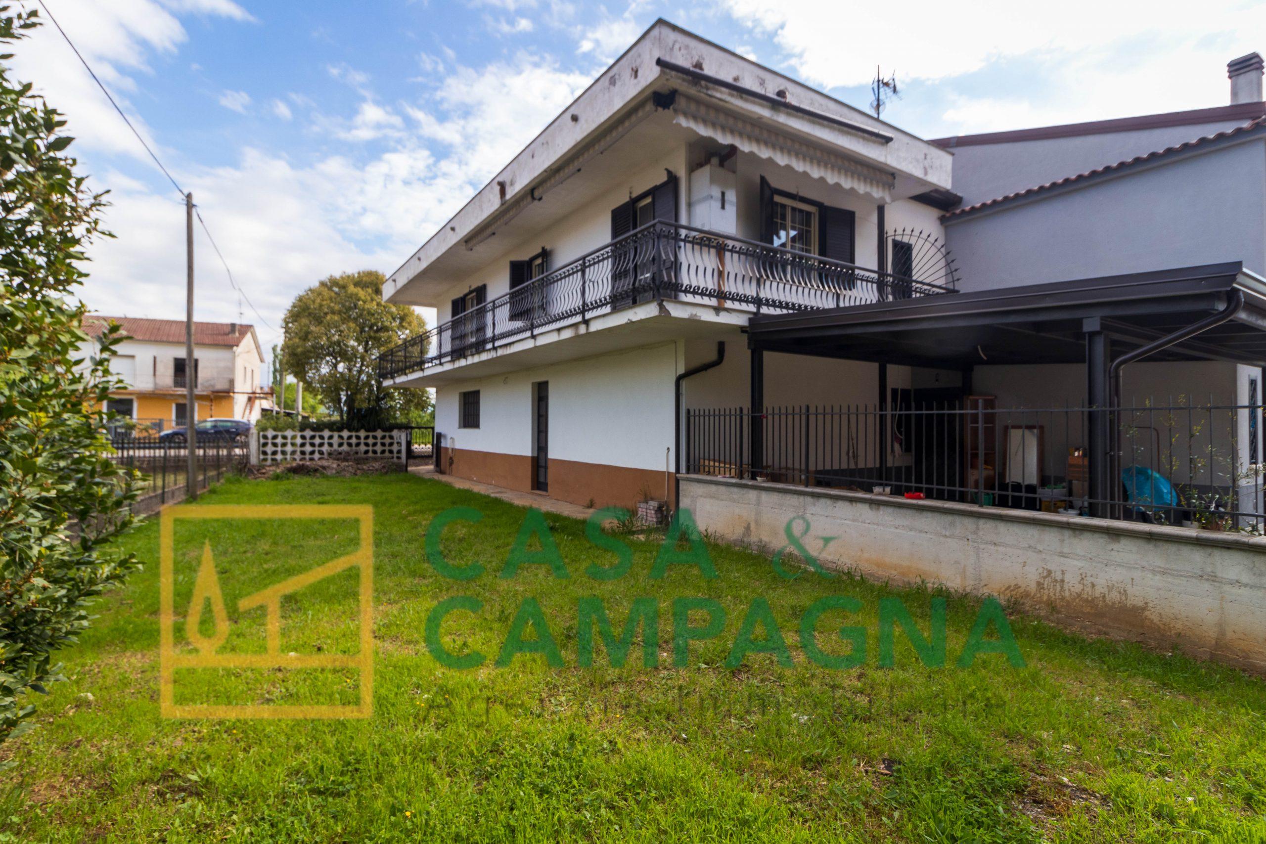 Casa indipendente in vendita a Sesto Campano